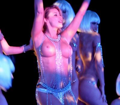 Carmen Electra - Aerobic Striptease in