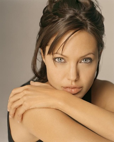 Angelina Jolie oben ohne in By the Sea: Erste
