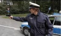 Lukas Podolski als Polizist