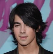 Joe Jonas wurde am Flughafen wegen Schmuggelei festgenommen.