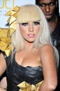 Lady GaGa bekam eine Sex-Puppe zum Geburtstag.