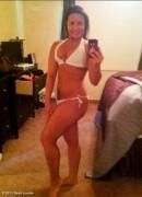 Demi Lovato zeigt sich im Bikini.