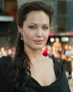 Angelina Jolie kämpft mit Kakerlaken
