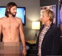 Ashton Kutcher zeigte sich nackt im Fernsehen.