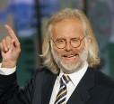 Harald Schmidt mit langen Haaren und Bart