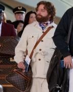 Alan bezeichnet seine Tasche in Hangover 2 als eine Louis Vuitton.