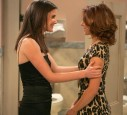 Robin (l) und Lily bei how I met your Mother